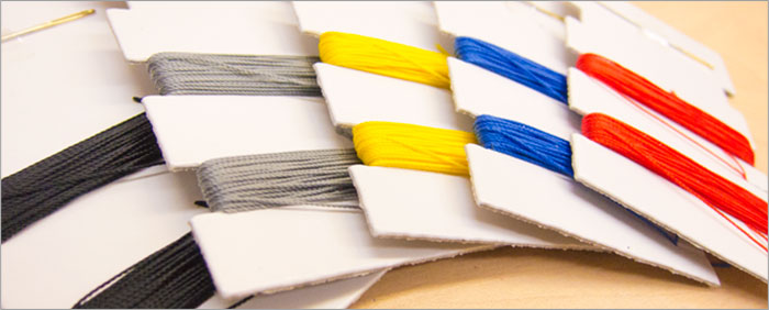 編み上げ用の糸